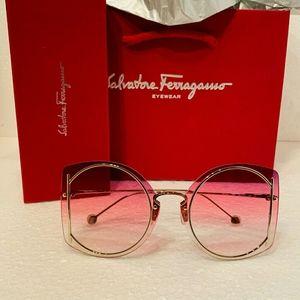 Salvatore Ferragamo Accessories - Salvatore Ferragamo Sunglasses Style SF196S
